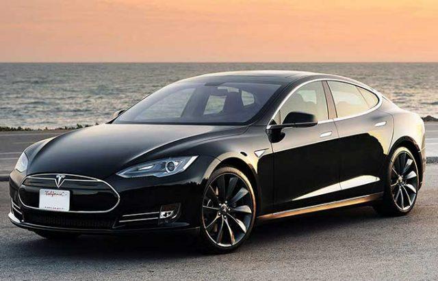 Efsane Model Tesla Elektrikli Araba