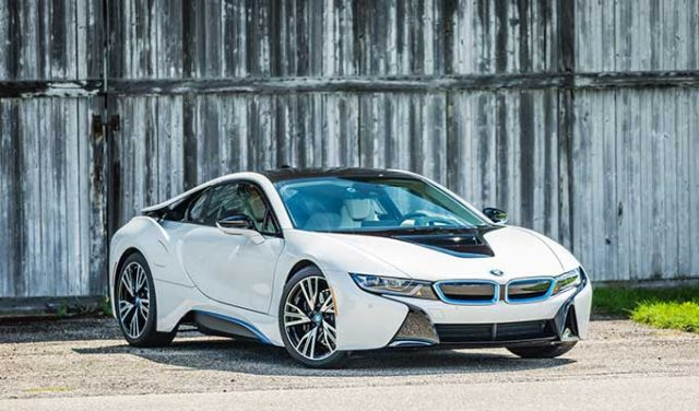 BMW i8 Elektrikli Araba