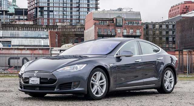 Tesla Model S 210 km