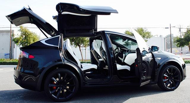 Tesla Model X Kapılar