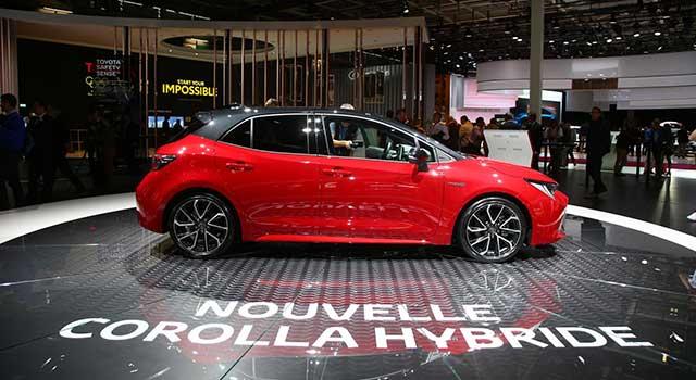 Paris Motor Show Toyota Hibrit