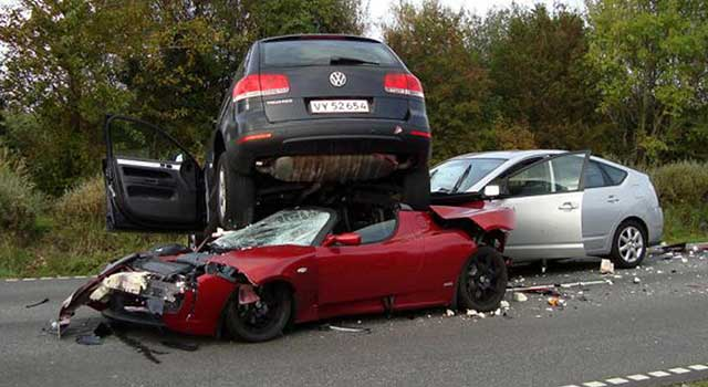 Tesla Roadster Kaza Yangın