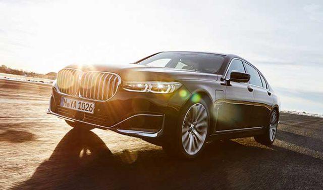 BMW 7 Hibrit Seriler İlginç Bir Menzile Sahip