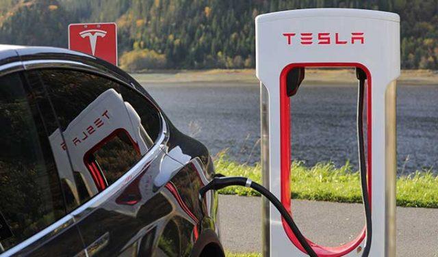 Elon Musk Tesla Hisselerini Halka Arz Ediyor - Peki Bu Dünya İçin Ne Anlama Geliyor?