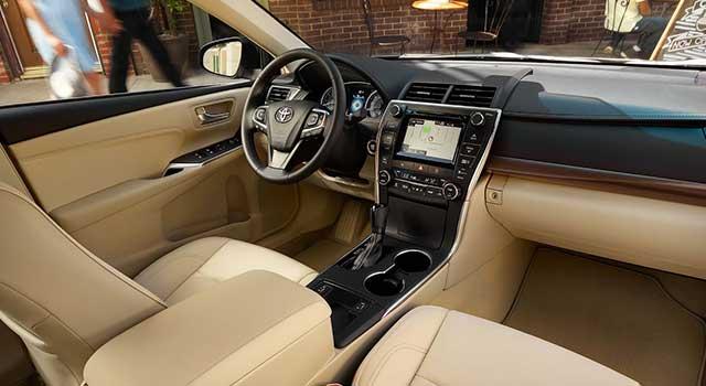 Toyota Camry Hibrit İç Dizayn
