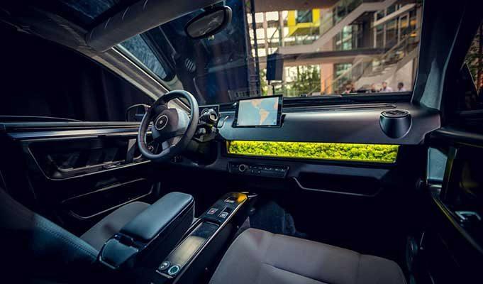 Bu Elektrikli Araba, Temiz Hava Alabilmeniz İçin Ön Panelinde Doğal Yosundan Filtre Kullanıyor